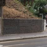 Otra vista del muro de gaviones