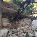 Demolición de muro para la colocación de gaviones para contención de talud