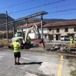 Demolición asfalto del paso a nivel