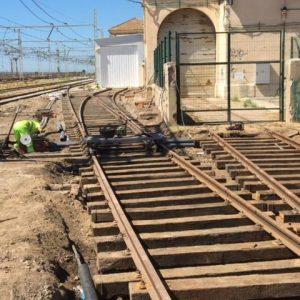 Ejecución de paso de instalaciones bajo vía